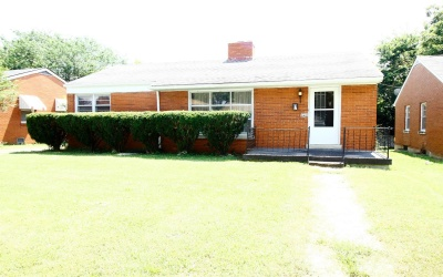 542 Haskins Dr,3 Rooms Rooms,1 BathroomBathrooms,Single-Family Home,Haskins Dr,1090